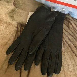 Black Leather Gloves by Antonio Murolo